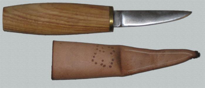 barrel-hilted knife 1